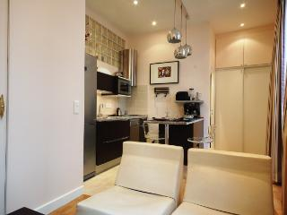 Perfect House with Internet Access and Dishwasher - Paris vacation rentals
