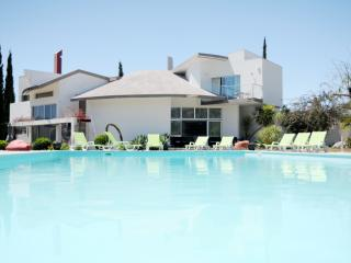 Villa Margarida Contemporary - Tavira vacation rentals
