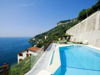 Nido - sea view, pool and private terrace with BBQ - Ravello vacation rentals