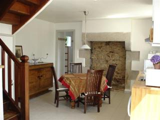 Nice Gite with Internet Access and Satellite Or Cable TV - Tremel vacation rentals