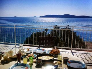 Villa Perna - 3 bedroom apartment - Orebic vacation rentals