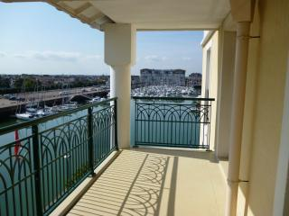Bright 2 bedroom Dives-sur-Mer Apartment with Shared Outdoor Pool - Dives-sur-Mer vacation rentals