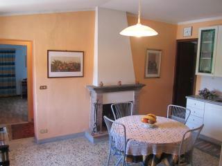"""Apartment """"La Fattoria 1700"""" - San Martino in Freddana vacation rentals"""
