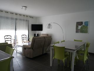 Bright 3 bedroom House in Cozes with Internet Access - Cozes vacation rentals