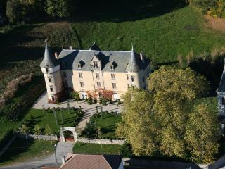 Adorable 5 bedroom Chateau in Bessonies with Internet Access - Bessonies vacation rentals
