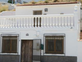 Holiday Cave House in Freila - Cueva Blanca - - Province of Granada vacation rentals