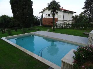 4 bedroom Villa with Internet Access in Camaiore - Camaiore vacation rentals