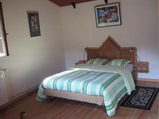 Cozy 2 bedroom Saint-Sernin-sur-Rance B&B with Internet Access - Saint-Sernin-sur-Rance vacation rentals