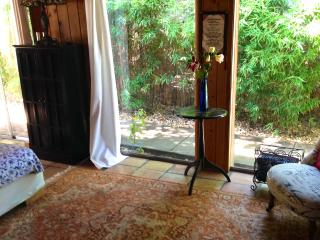 Private 2 bedroom house with yard in Ojai. - Ojai vacation rentals