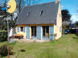 Nice House with Balcony and Central Heating - Plougrescant vacation rentals