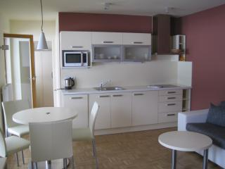 Romantic 1 bedroom Tropolach Apartment with Internet Access - Tropolach vacation rentals