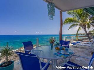 QUEENSBATH - Kailua-Kona vacation rentals
