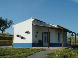 Vale da Cegonha Casa Andorinha - Ourique vacation rentals