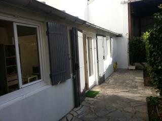 Studio 2 pièces près de Paris - Asnieres-sur-Seine vacation rentals