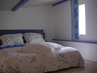 Bright 5 bedroom B&B in Nîmes - Nîmes vacation rentals