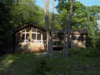 Viceroy Cottage In The Heart Of Tranquility - Just - Haliburton vacation rentals