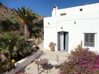 CORTIJO EL GRILLO - Nijar vacation rentals