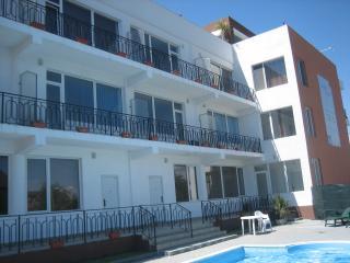 Romantic 1 bedroom Vacation Rental in Constanta - Constanta vacation rentals