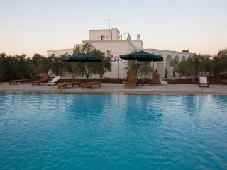 Beautiful 5 bedroom Savelletri Villa with Internet Access - Savelletri vacation rentals