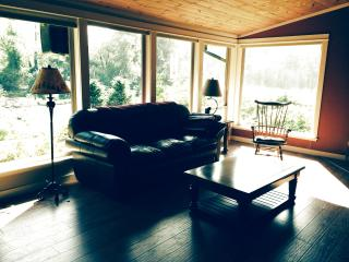 4 bedroom House with Deck in Tillamook - Tillamook vacation rentals