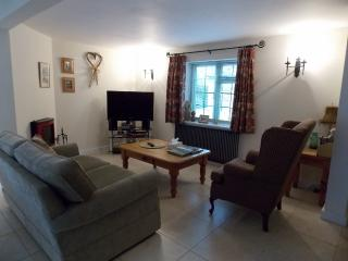 Comfortable Cottage with Internet Access and Television - Chipping Campden vacation rentals