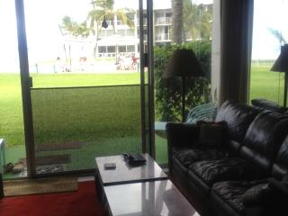 Condo on the beach - Oahu vacation rentals