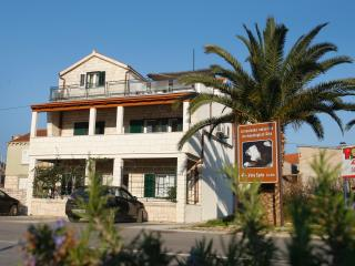 1 bedroom Apartment with Internet Access in Vela Luka - Vela Luka vacation rentals