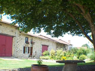 Lovely Cottage with Internet Access and Satellite Or Cable TV - Rochechouart vacation rentals