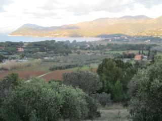 Delightful Tuscan holiday home with sae view on Elba Island, sleeps up to 10 - Portoferraio vacation rentals