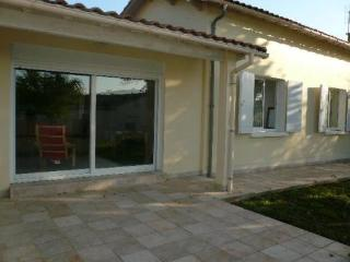 Nice 4 bedroom Villa in Saint-Palais-sur-Mer - Saint-Palais-sur-Mer vacation rentals