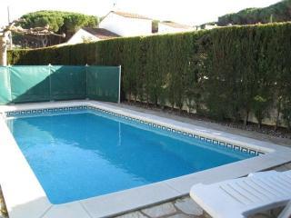 Costabravaforrent Can Briu, up to 6, pool - L'Escala vacation rentals