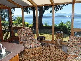 Hood Canal Waterfront Executive Lodge Home - Poulsbo vacation rentals