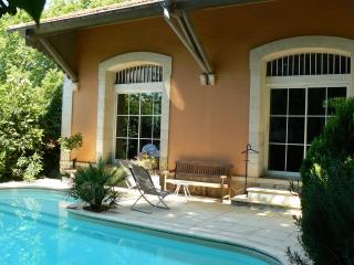 Perfect Guest house with Television and Microwave - Aragon vacation rentals