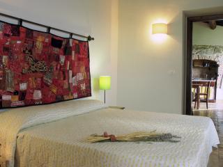 Charming 2 bedroom Condo in Migliano with Internet Access - Migliano vacation rentals