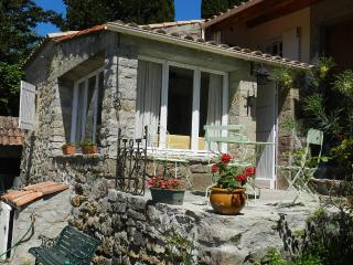 Romantic 1 bedroom Gite in Lodeve - Lodeve vacation rentals