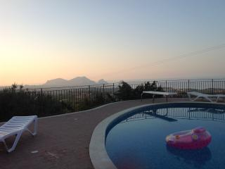 Panoramic villa with pool and garden - Altavilla Milicia vacation rentals