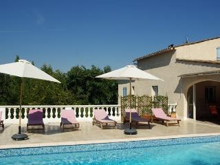 Maison Spacieuse pour 10 pers. avec piscine Privée - Saint-Paul-en-Foret vacation rentals