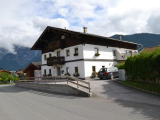 Haus Simmerling/ Orange Appartment - Saalfelden am Steinernen Meer vacation rentals