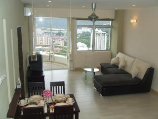 Sunny 2 bedroom Tanjong Bungah, Pinang Condo with Internet Access - Tanjong Bungah, Pinang vacation rentals