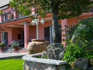Cozy 2 bedroom Manziana Bed and Breakfast with Internet Access - Manziana vacation rentals