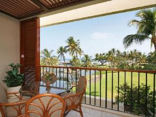 Completely renovated Mauni Lani Terrace A302 gives access to heated pool, hot tub, sauna and beach - Mauna Lani vacation rentals