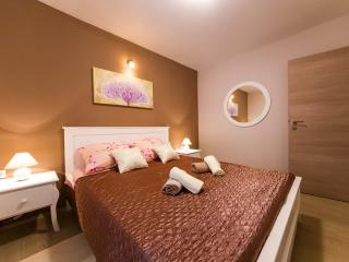 Great Shabby Chic Apt. in Zadar Old Town - Zadar County vacation rentals