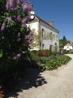 Charming 4 bedroom Beaune House with Internet Access - Beaune vacation rentals