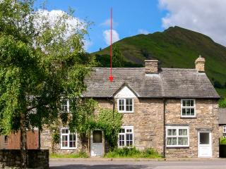 GLOUCESTER HOUSE, pet-friendly cottage with woodburner, close cycling and village pubs in Llangynog Ref 25418 - Llanrhaeadr ym Mochnant vacation rentals