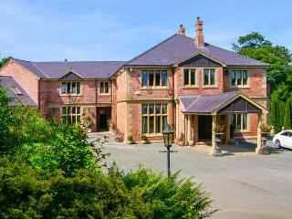 RICHMOND HALL, country hall, gym, sauna, snooker room, indoor heated pool, in St Asaph, Ref 906816 - Rhos-on-Sea vacation rentals