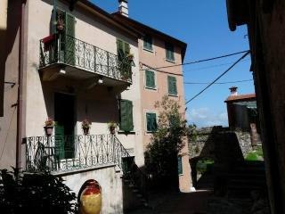 Nice House with Balcony and Fireplace - Montemarcello vacation rentals