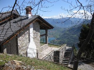 La Casa di Mari - Lago d'Iseo e Lago d'Endine - Iseo vacation rentals