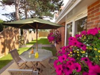 1 Windmill Cottages - WILLOW - Bembridge vacation rentals