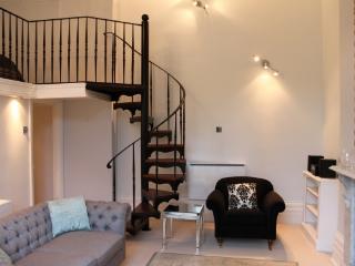 1 bedroom Condo with Internet Access in Cheltenham - Cheltenham vacation rentals