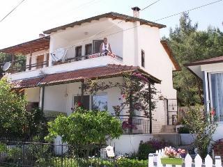 Villa Ozdere, Mer Egée, 40 km d'Izmir - Ozdere vacation rentals